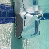 Очистка бассейна. Aquabot - пылесосы для бассейна.